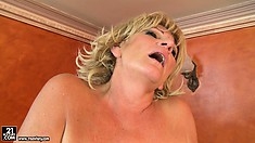 Fat blonde granny gets her fuzzburger licked and then pounded