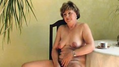 In a beautiful display of sexiness, Shirley takes her pussy to orgasm