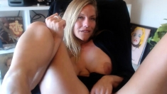 Hot j ane934 flashing boobs on live webcam
